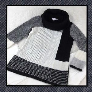 CALVIN KLEIN BLACK AND WHITE BLOCK COWL NECK S